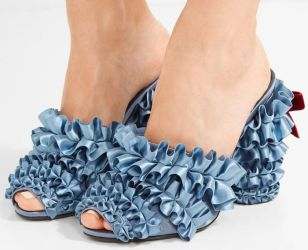d90443a8099e6031d2e0d7cbdf76f4d7-overflow-fancy-shoes
